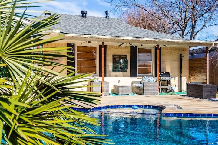 Lake Highlands Pool House