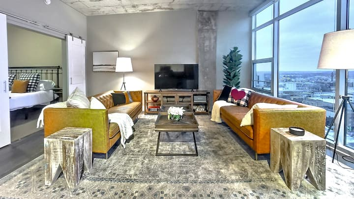 Luxury Loft with Downtown Kalamazoo Skyline Views