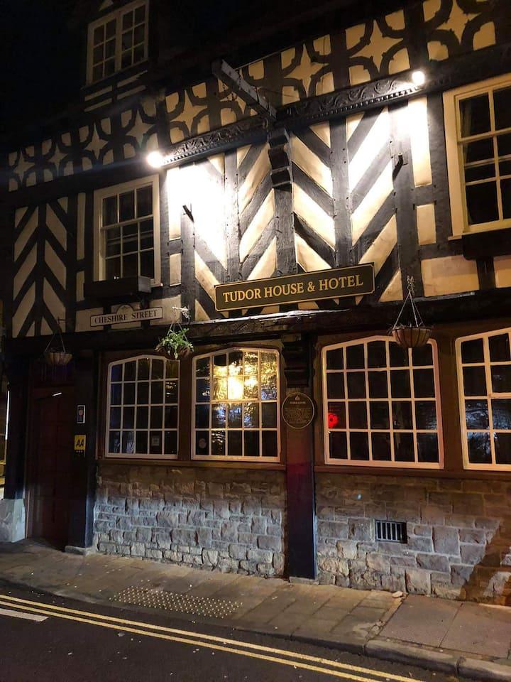 Tudor House & Hotel