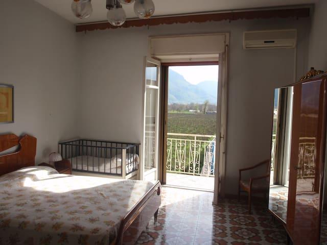 Appartamento Piave: grande, luminoso, tranquillo. - Castel San Giorgio - Apartament
