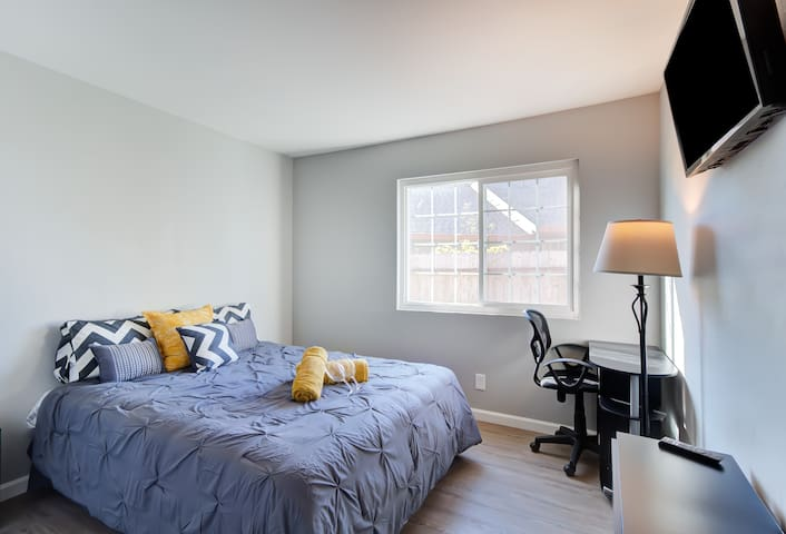 Clean Luxury Room in Renovated House