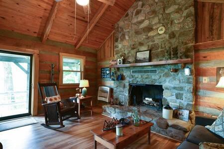Breathtaking Cabin In Secluded Mountain Wilderness