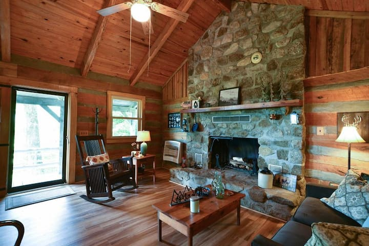 Entire Cabin In Secluded Mountain Wilderness