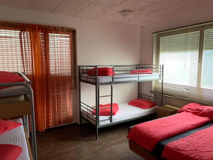 Zimmer für 6 Personen