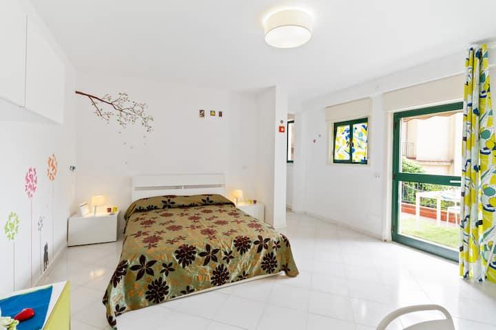 Taormina Residence Gardenia Modern Apt x4 NEW!