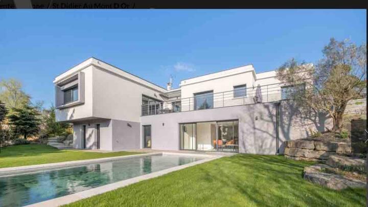 Villa des Monts Bas 6 personnes 3 chambres Lyon