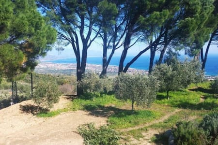 SEA VIEW and GARDEN - RELAX - Sant'Andrea Apostolo dello Ionio