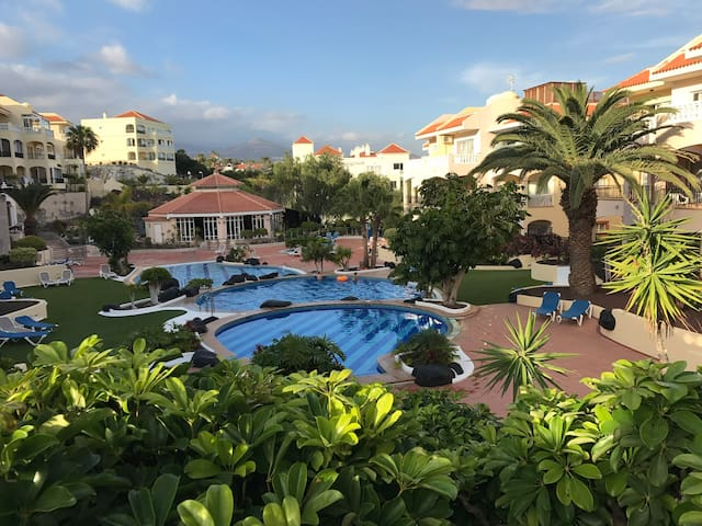 Luxurious 1 Bed Apt in the Centre of Golf Del Sur