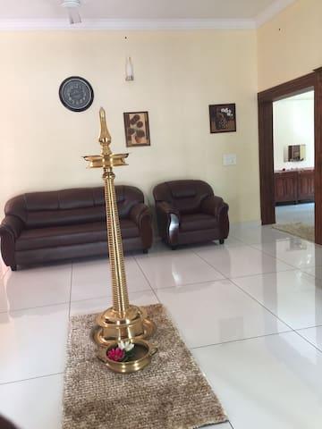 Stay Home - Тируванантапурам - Дом