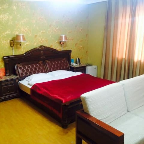 Central Room nearby to everything you need