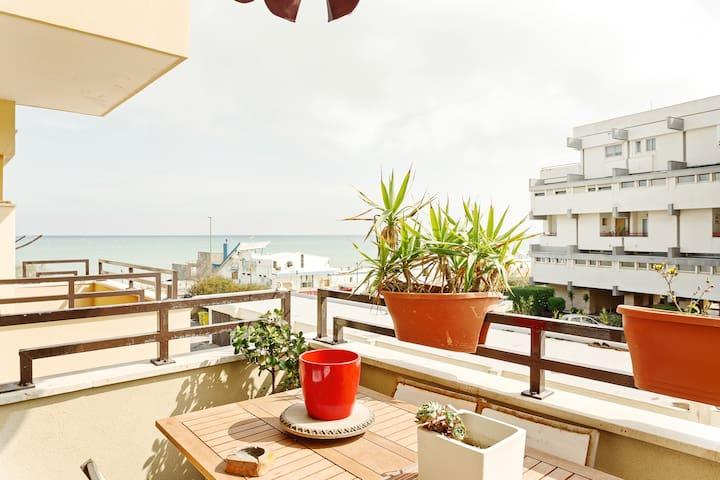 Bari Airport Seaview Apartment
