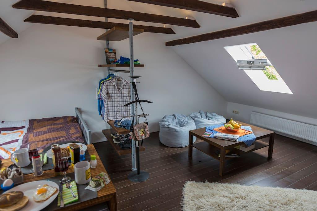 Wohnzimmeransicht Wohnzimmer, Couch