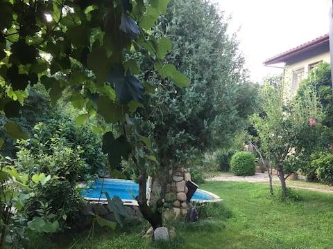 Villa nel verde a 4 kilometri dal mare