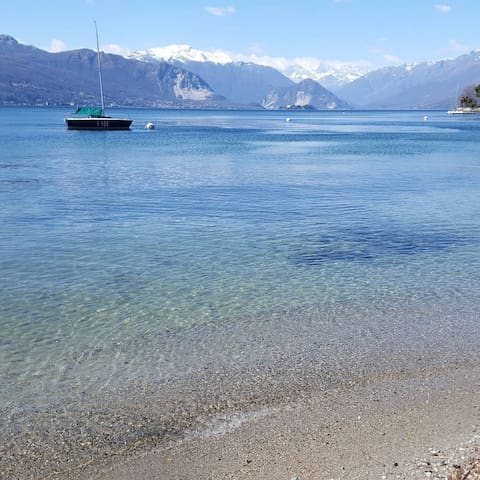 Iris house - Large cosy apartment on Lake Maggiore