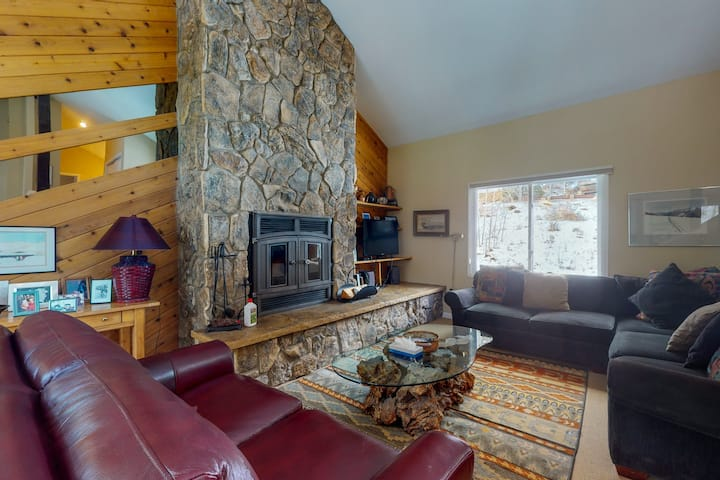 Recently Renovated Duplex w/Private Hot Tub, High-Speed WiFi, Wood Fireplace