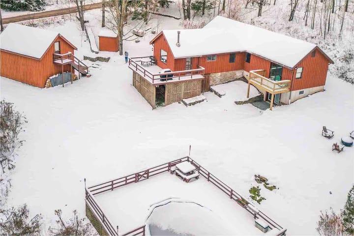 LaCasaRoja: Ski Cabin near Belleayre & Plattekill