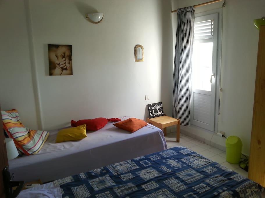 chambres 1er étage, 2 lits simples, climatisée