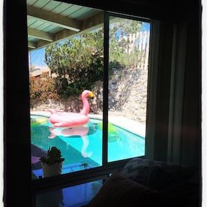 Get lost in a Vintage Wonderland! - Santa Ana - Huis