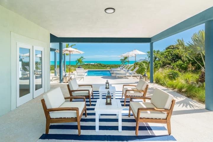 Gorgeous Waterfront Villa w/ HUGE Outdoor Patio
