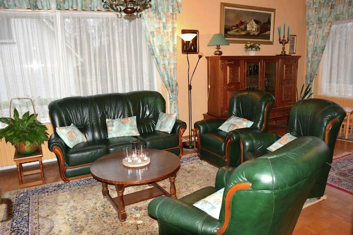 A villa perfectly situated in Spa, between the town centre and the forest.