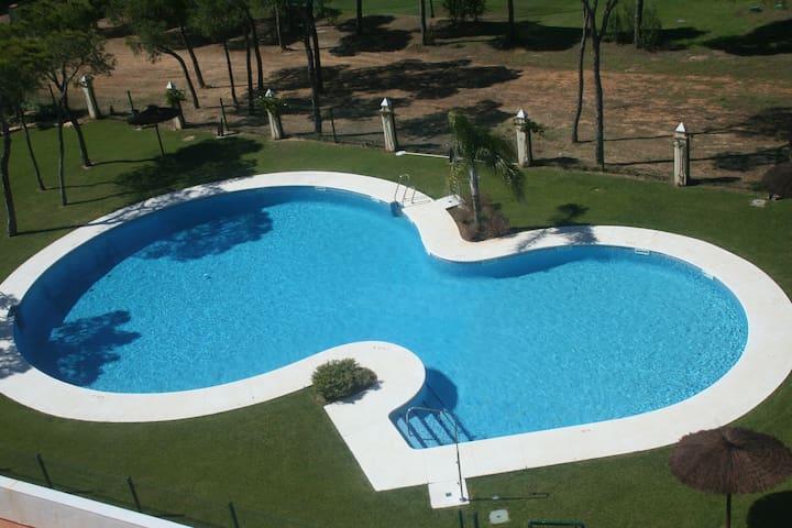 NP190204B - Ático a 100 m . playa, piscina y pádel