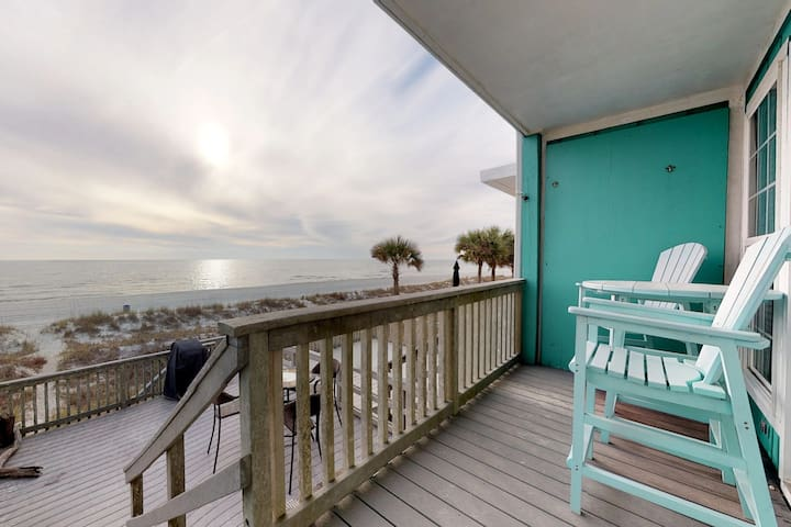 Beachfront townhome w/ large deck & Gulf view - near Pier Park!