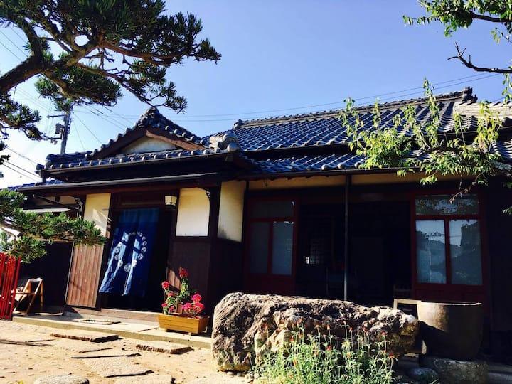 Omeguri-an (small room) おめぐり庵(小部屋)