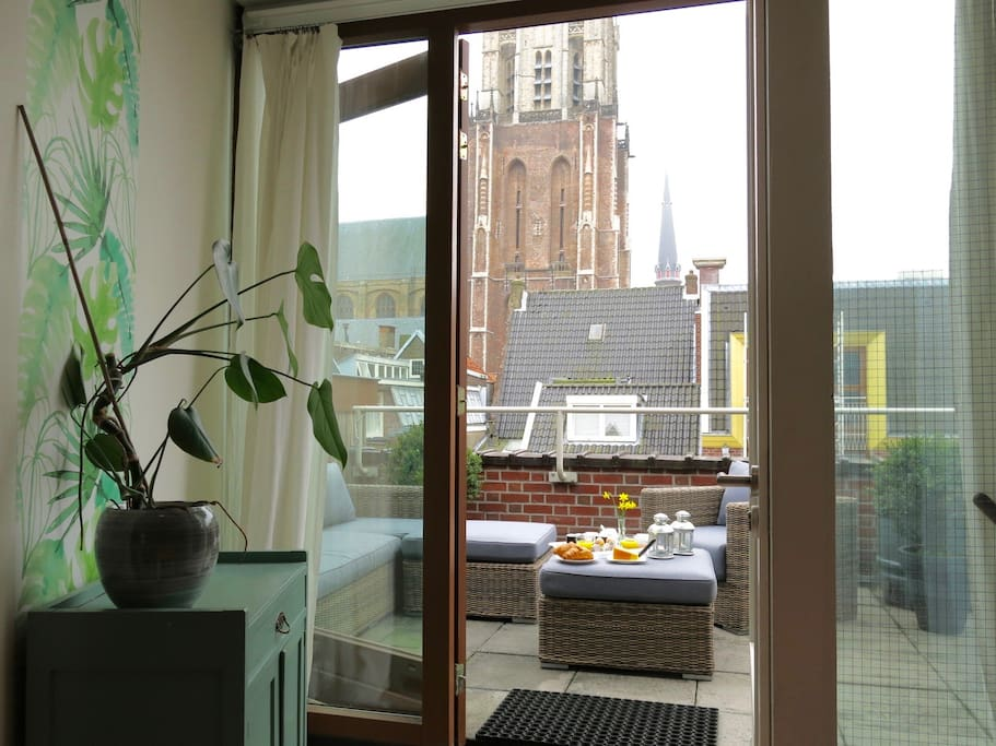 Apartment with terrace view of the nieuwe kerk for 4 holland terrace needham ma