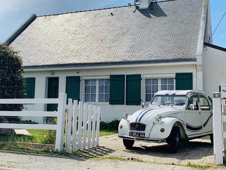 Maison à Piriac ( a pieds port plage commerces)