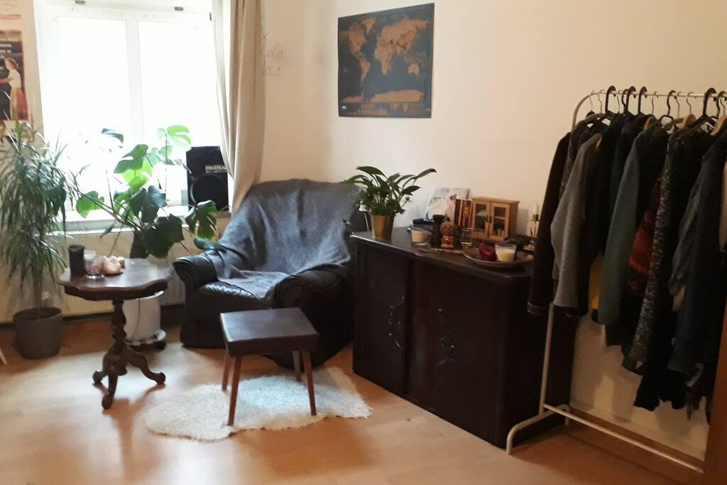 Das Zimmer (Sessel)