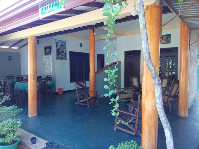 Dilu Vila