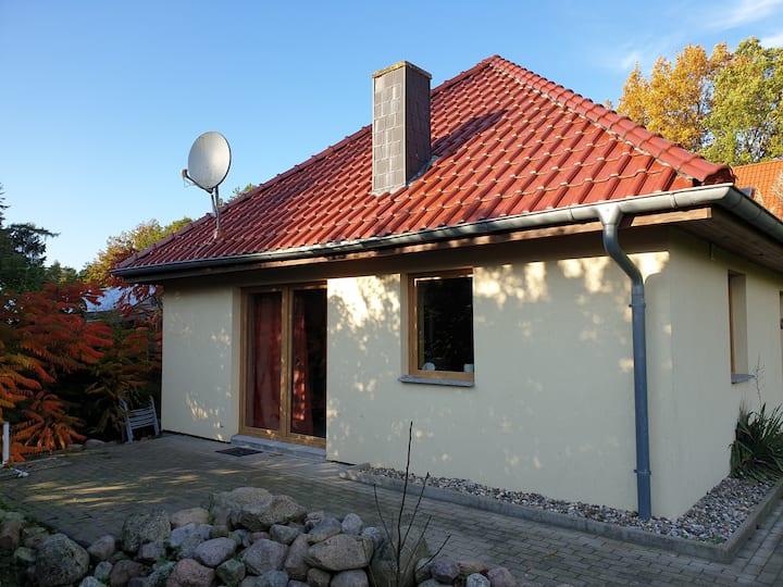 Ferienhaus Ruheinsel Rügen mit Garten