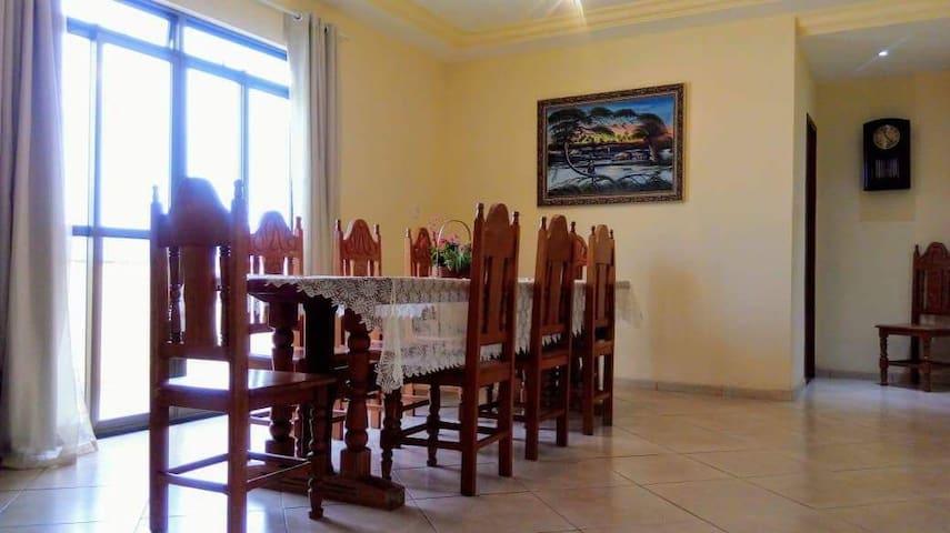 Ótima casa para famílias, grupos e formaturas!
