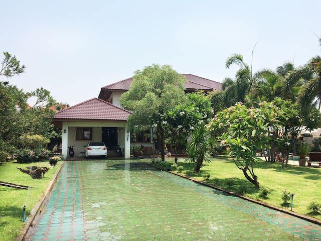 清迈拉拉度假屋中文管家服务机场周边别墅泳池 - Mae Hia - Villa