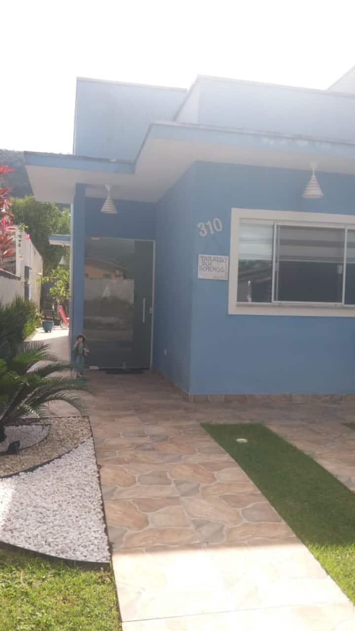 Casa em Condomínio Fechado na Praia da Mococa
