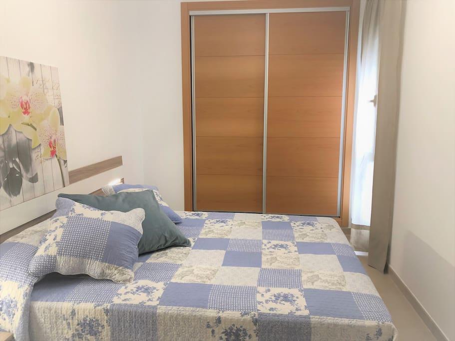Dormitorio + armario
