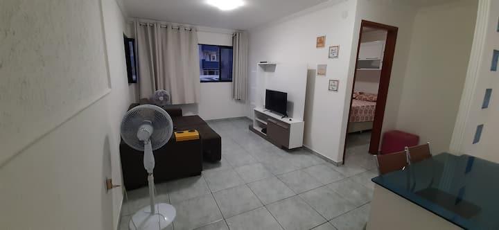 Apartamento na Pajuçara, à 100m da praia