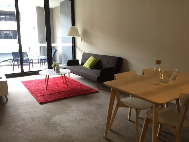 2 Bedroom apartment close to Olympic Park. - Wentworth Point - Apartment