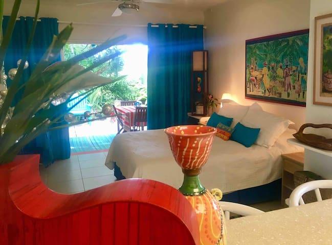 ROCKLEY Golf Resort Peaceful Oasis of Plants & Art