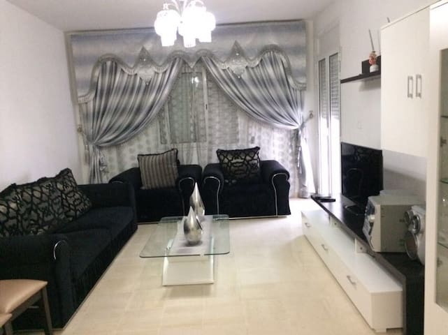 Cozy Luxurious Apartment near Rades CiteeOlympique
