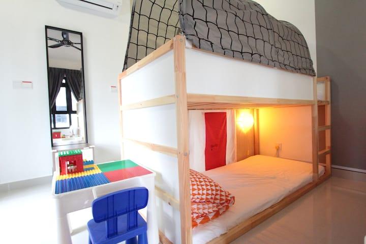 3min drive Legoland Family Suite(4-5pax) 3分钟车程乐高乐园