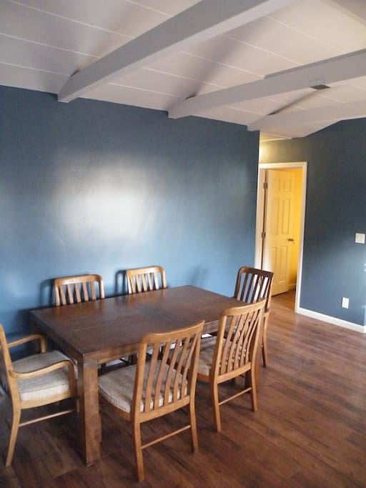 Dining room, table and chairs for 6