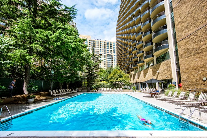 Better Then Hotel Room - Arlington - Apartmen
