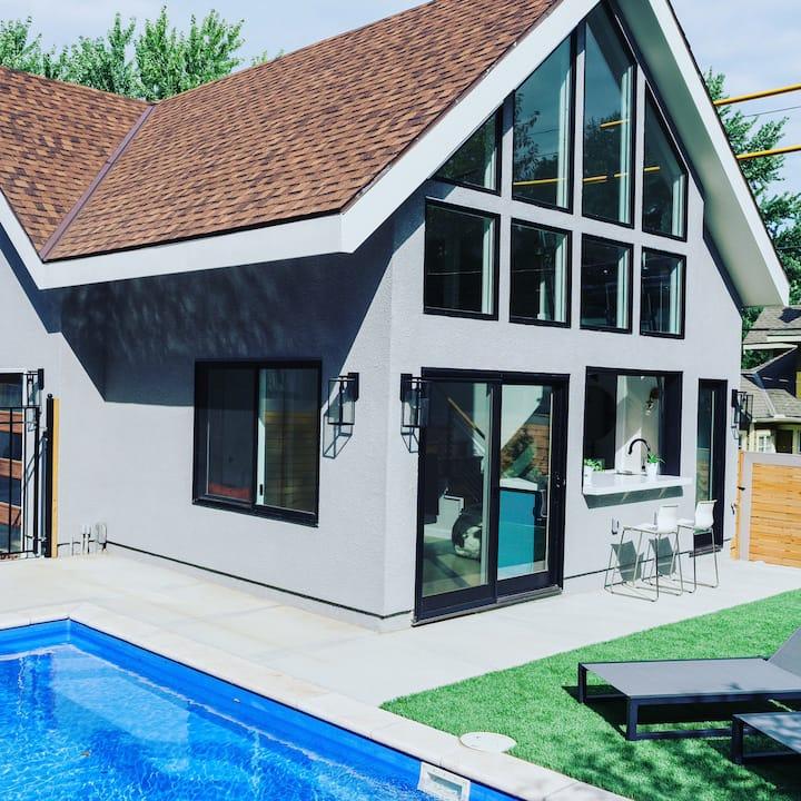The Black Walnut KC Pool House & Heated Pool