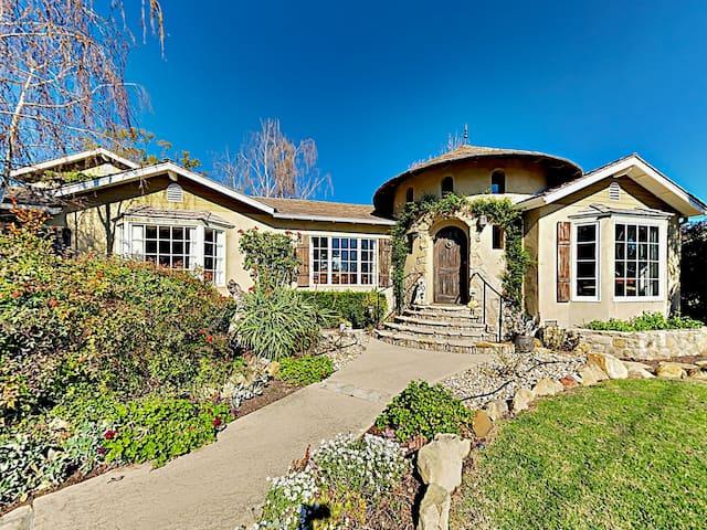 2BR Montecito Retreat w/ Pool & Spa