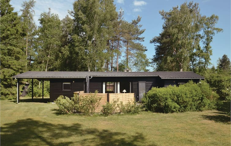 Holiday cottage with 3 bedrooms on 70m² in Væggerløse