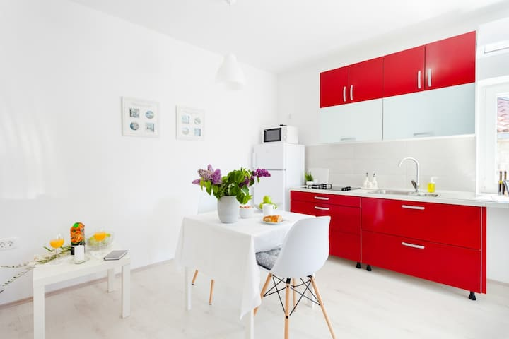 Apartman/Studio Ana