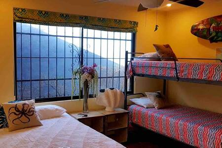Bedroom- current set up - 1 queen bed and bunk bed