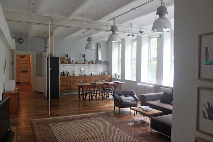 Charming vintage Loft in central location