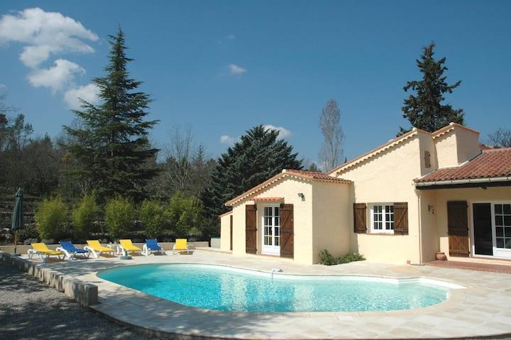 Villa provençale climatisée et piscine chauffée